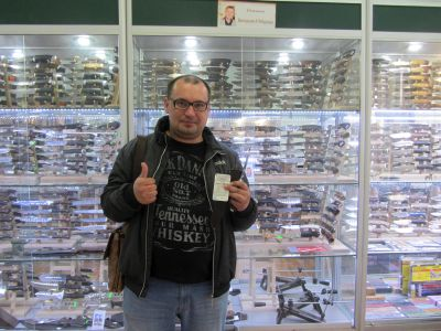 Константин, выиграл нож Шквал от мастерской Чебуркова в магазине Русские Ножи