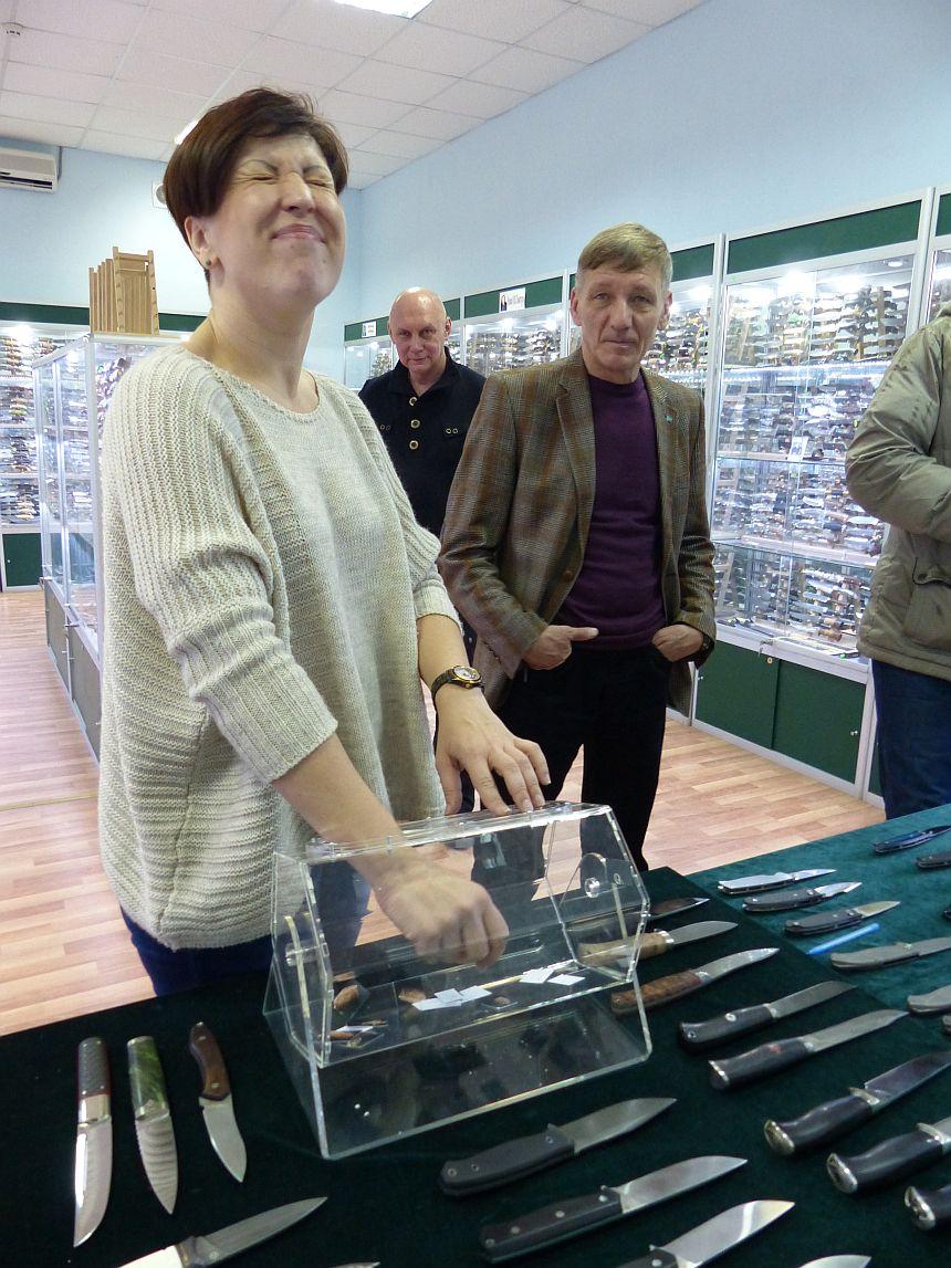 Персональная выставка-продажа ножей Мастерской Чебуркова в магазине Русские Ножи 19.12.2015г
