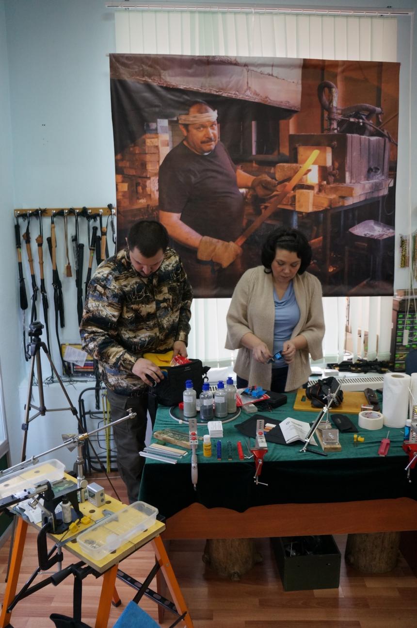 Пампуха И.Ю. в магазине Русские ножи 12 марта 2016г