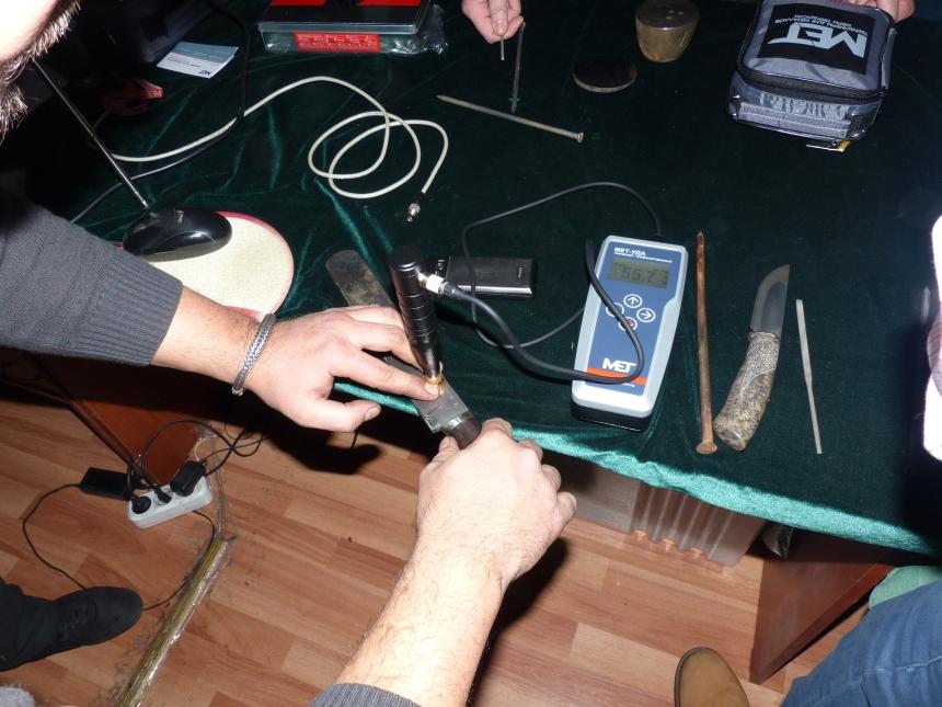 Игорь Пампуха: Мастер класс Измерение твердости клинка Пампуха И.Ю. в магазине Русские Ножи (10 декабря 2016г)