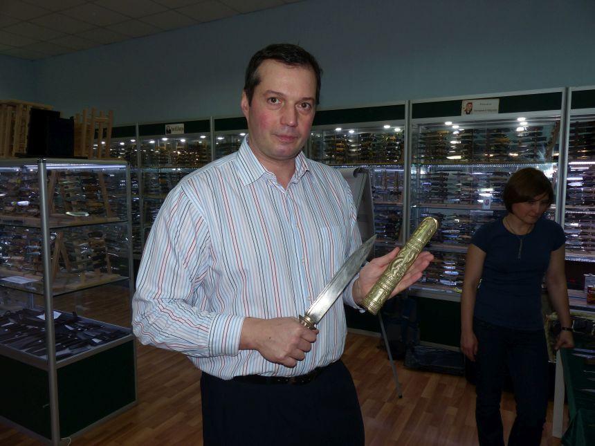 Игорь Пампуха: Мастер класс «Геометрия ножа и его назначение» Пампухи И.Ю. в магазине Русские Ножи (09 декабря 2017г)