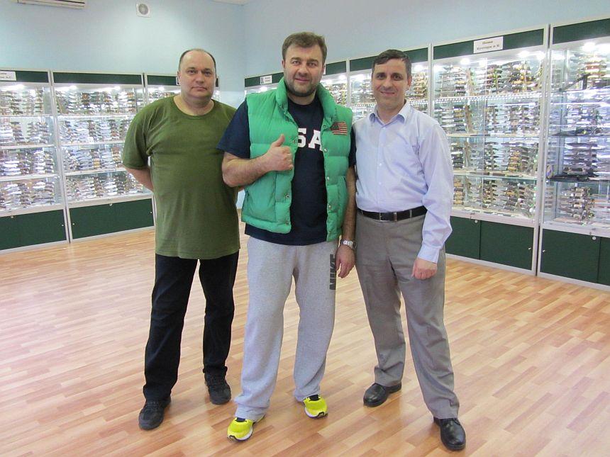 Офис магазина Русские Ножи, Михаил Евгеньевич Пореченков